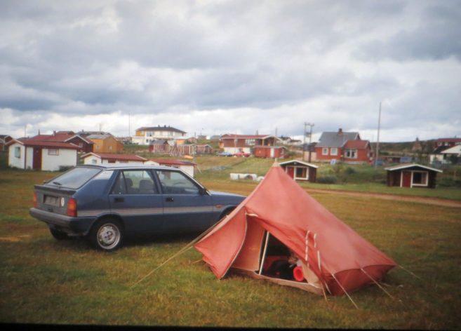 Notre voiture Lancia Delta, et notre tente