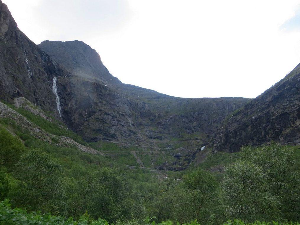 en bas de la Trollstigen
