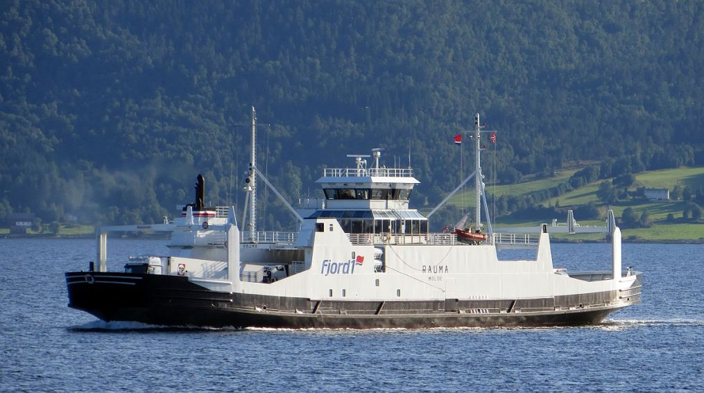 Bac ferry de Halsa
