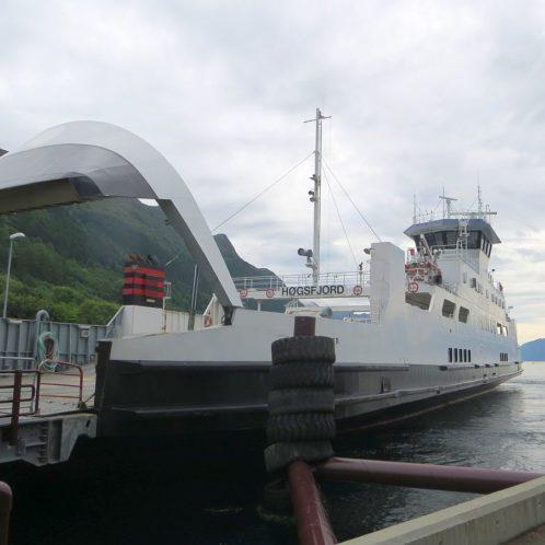 Open cafeteria dans le ferry d'Arvik